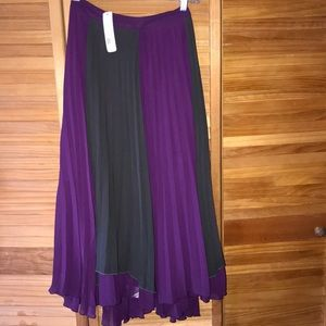 Gorgeous skirt Romeo Juliet new with tags M